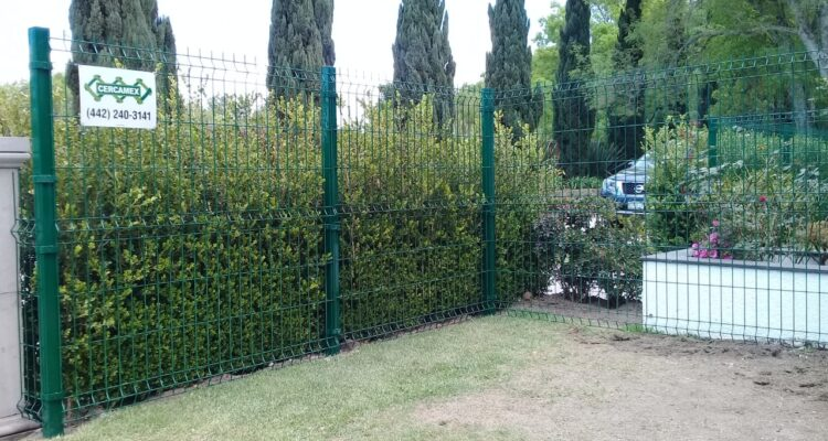 Reja Clásica En Jardín